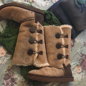 UGG Australia Bailey Button Triplet boots size 8